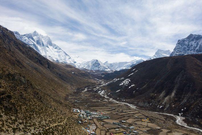 Situé sur les contreforts de l'Himalaya, Dingboche est l'un des nombreux villages dont l'eau provient du ...