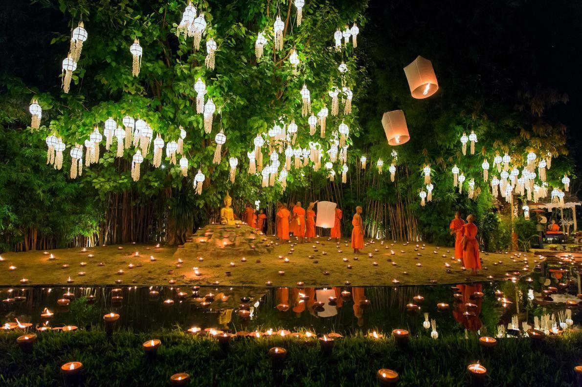 « Les festivals de Loi Krathong et de Yi Peng sont célébrés le même jour. Chian ...