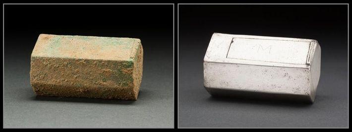 Une boîte en argent renfermant des reliques religieuses a été retrouvée sur le cercueil du capitaine ...