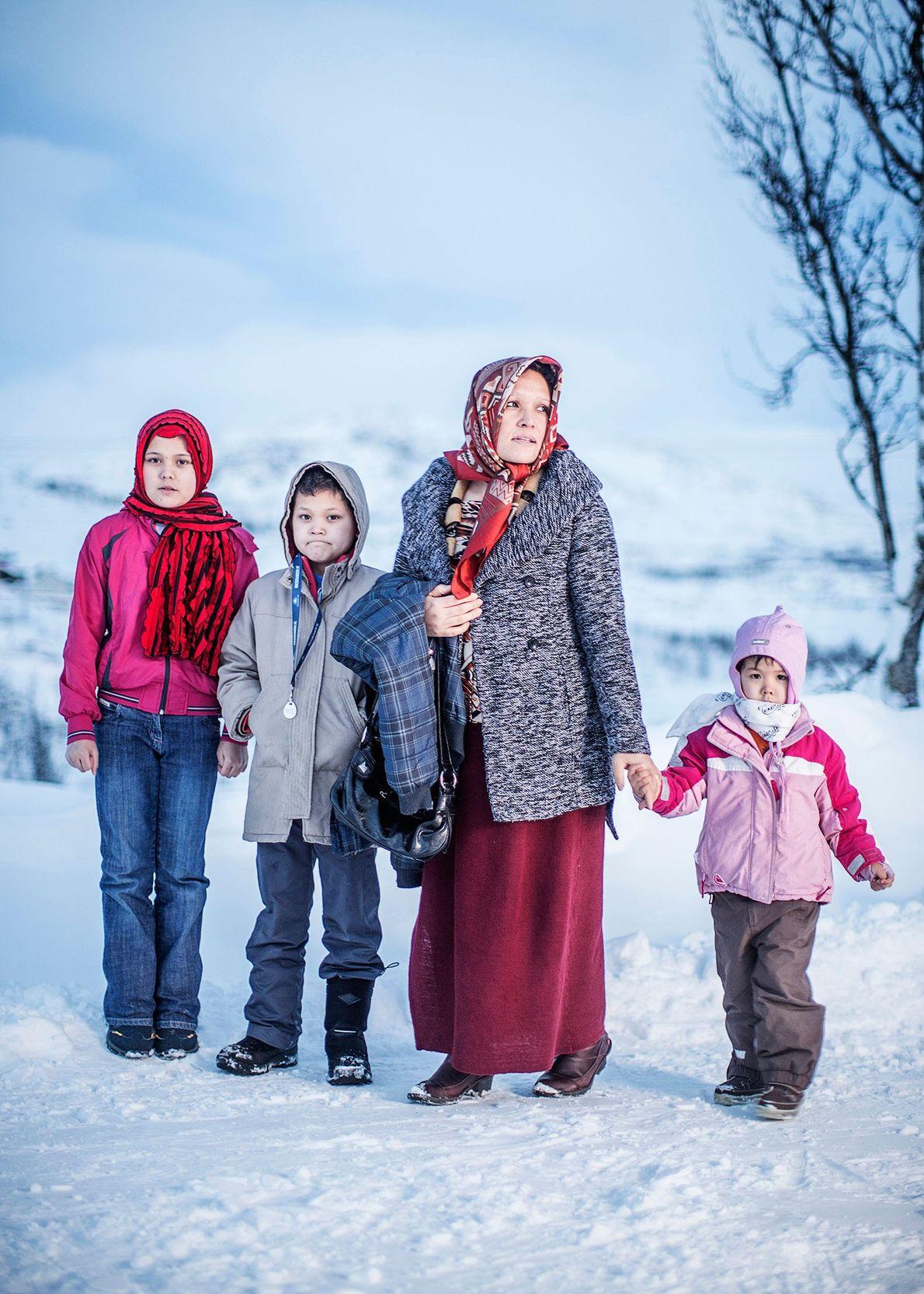 Image d'Adila Moshi avec ses enfants