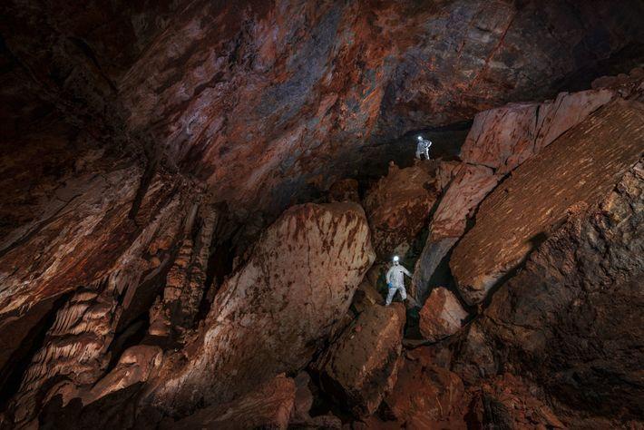 Les immenses galeries de calcaire de la grotte de Chiquihuite ont une température constante de 12 ...