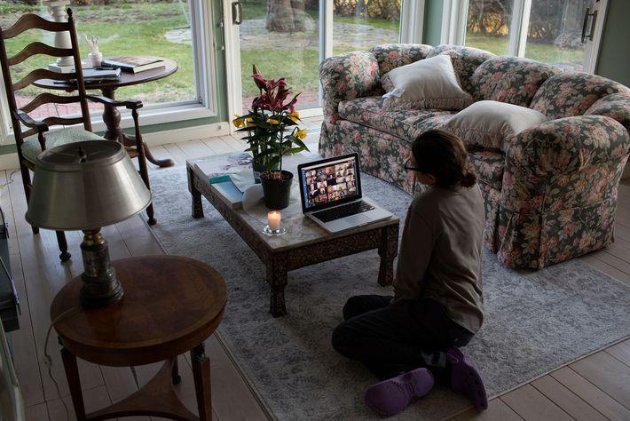 À New Canaan dans le Connecticut, une famille observe shiva, période de deuil de sept jours ...