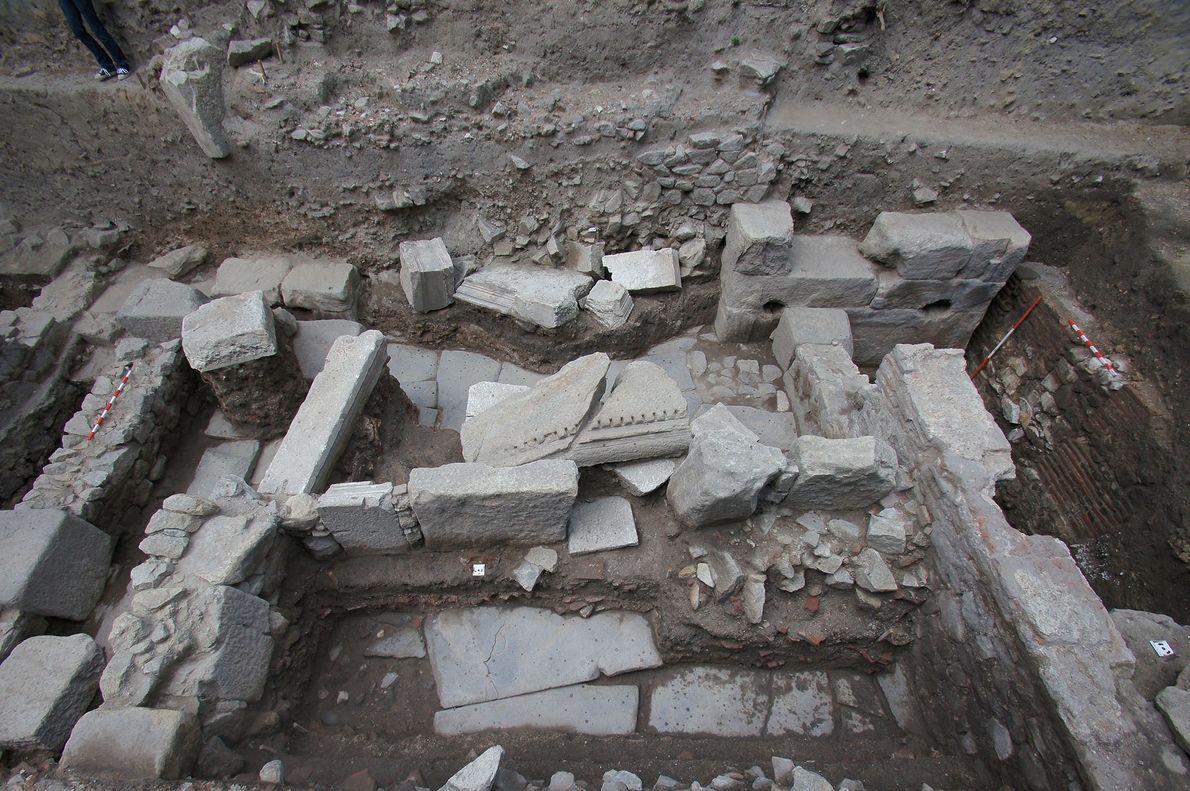C'est au milieu des ruines des rues datant de l'ère romaine à Philippopolis qu'ont été mis ...