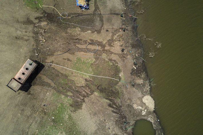 Sur cette photographie aérienne prise le 14 avril 2019 au-dessus du district de Beed, dans l'état ...