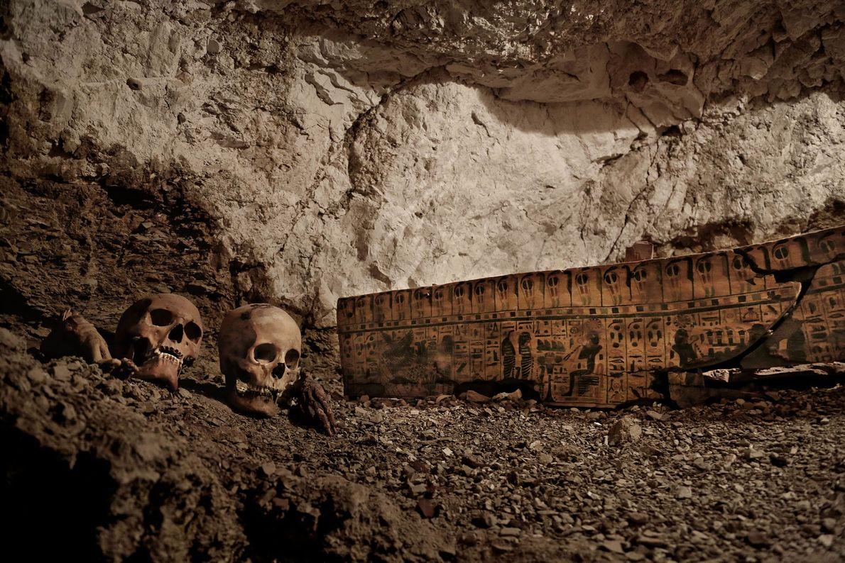 Le tombeau de l'orfèvre mène à deux autres salles funéraires. Cet orfèvre royal aurait vécu il ...