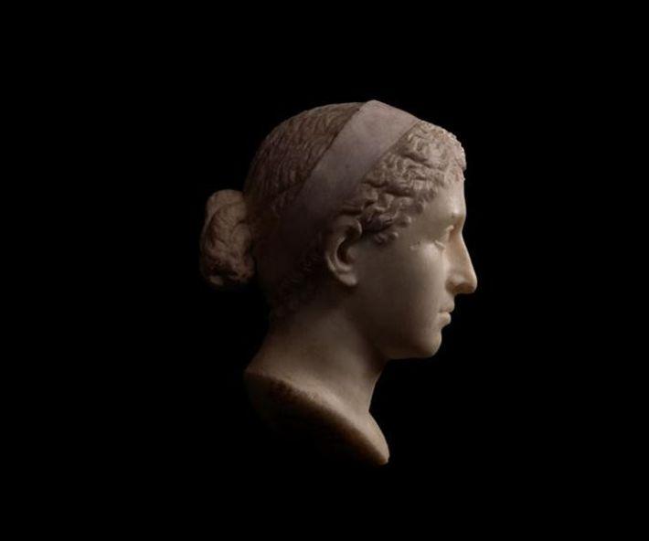 Les experts croient que ce buste en marbre peut représenter Cléopâtre et a peut-être été fait ...