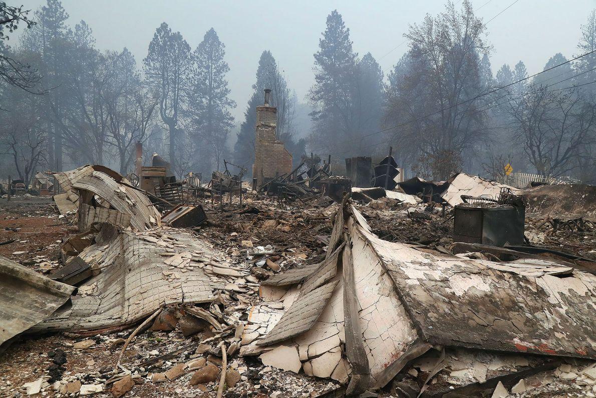 Sur cette photo prise à Paradise, en Californie le 9 novembre, il ne reste plus que ...