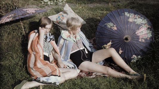 L'été à n'en plus finir : séances de bronzage en 16 photos