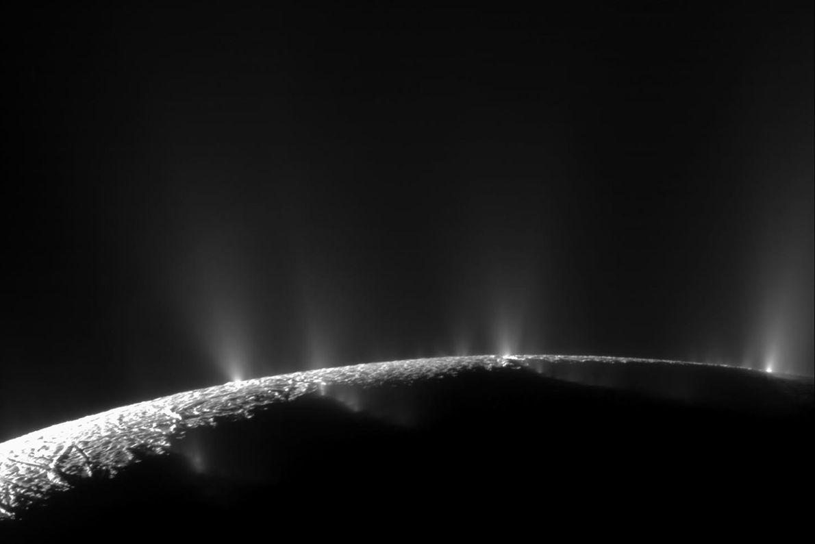 05-enceladus-geysers