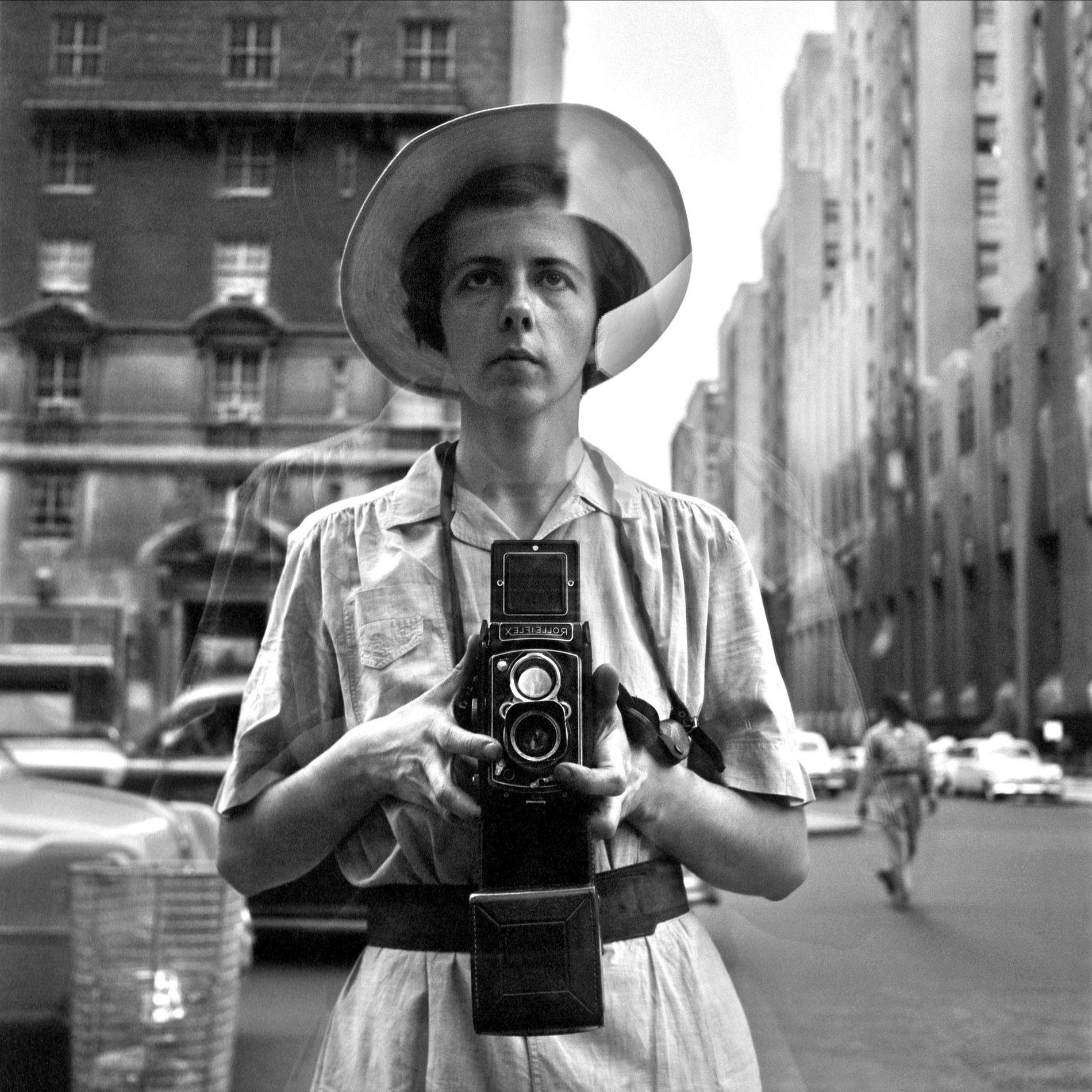 Vivian Maier est souvent considérée comme l'une des plus grandes photographes américaines de rue.