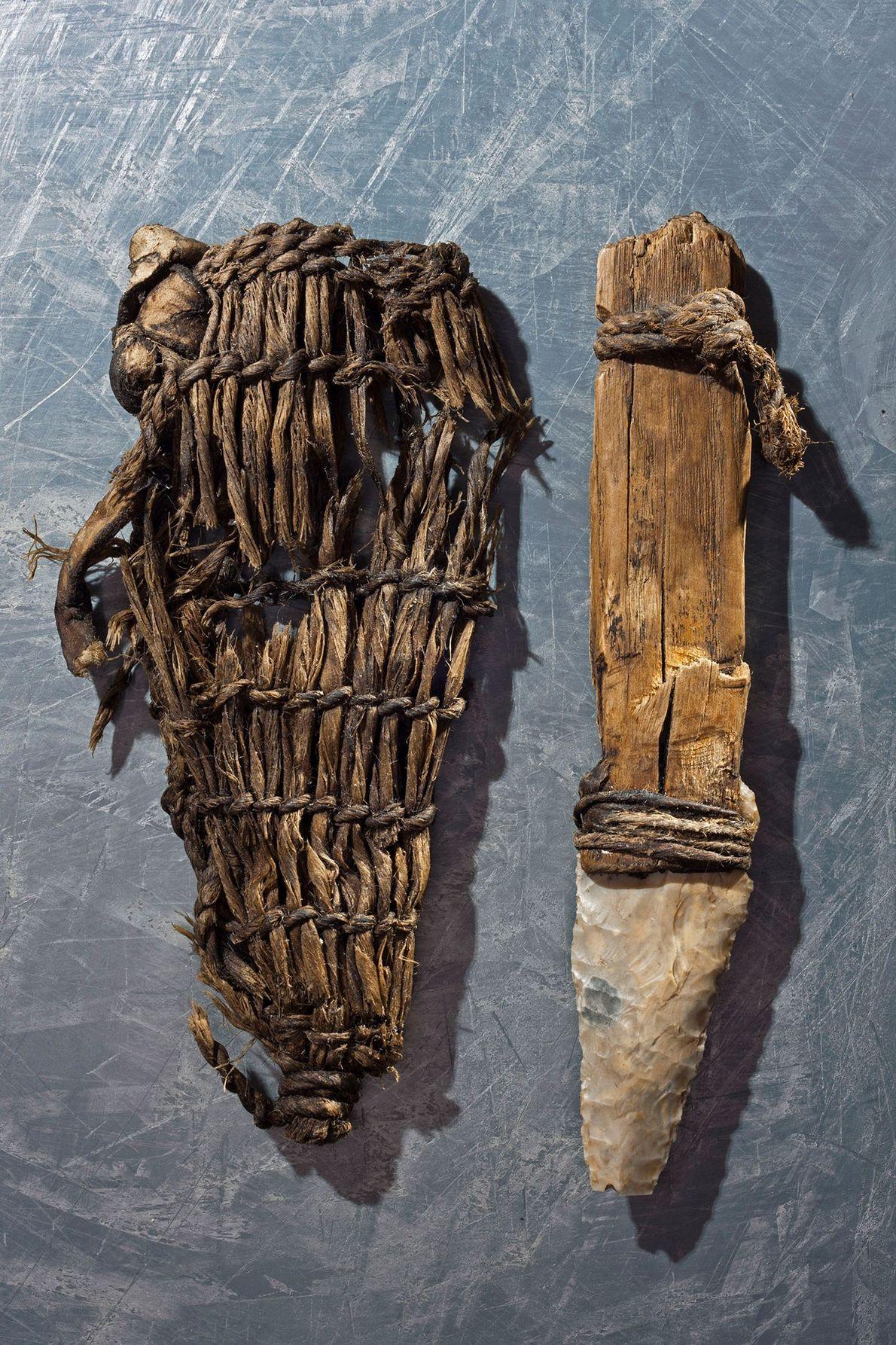 Le poignard de l'homme des glaces comportait une lame de silex et une gaine d'herbe.