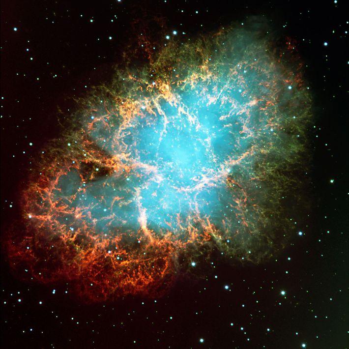 Une image en couleur de la nébuleuse du Crabe. Les premiers astronomes trouvaient qu'elle ressemblait à ...