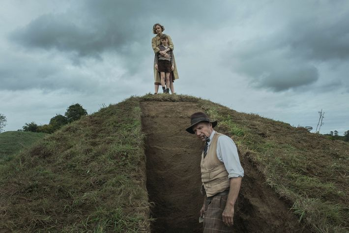 Le film « The Dig » retrace l'histoire des fouilles menées à Sutton Hoo du point de vue de ...