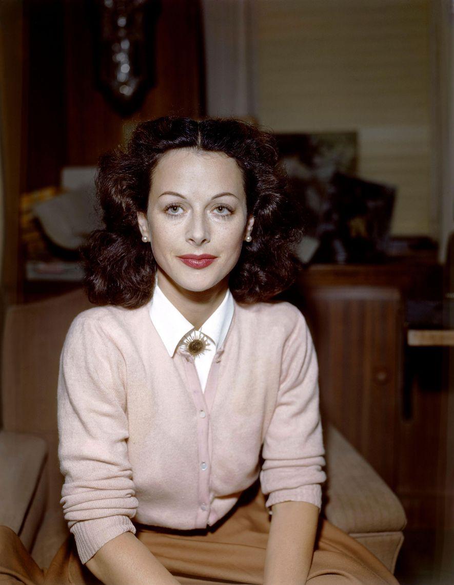 Hedy Lamarr, « la plus belle femme au monde » a aidé à inventer la technologie ...