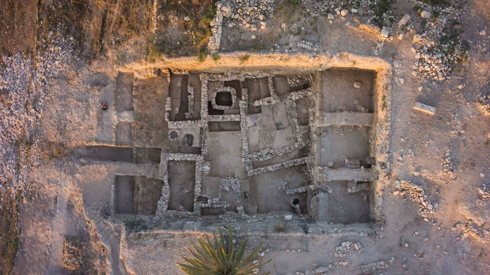 Tel Megiddo était une importante cité-Etatcananéenne pendant l'âge du bronze. De nouvelles analyses ADN révèle que ...