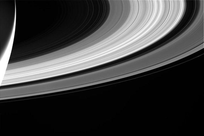 La caméra de Cassini a capturé cette image des emblématiques anneaux de Saturne.