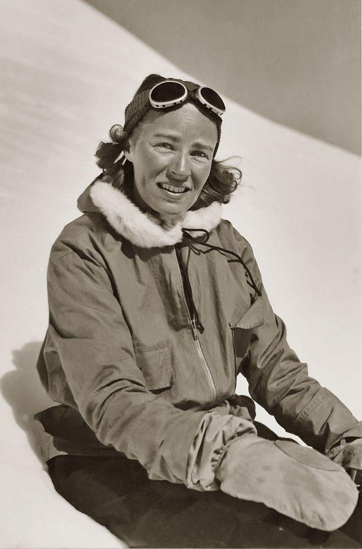 « Alpiniste par accident » comme elle aime le dire, cette femme qui a battu des ...