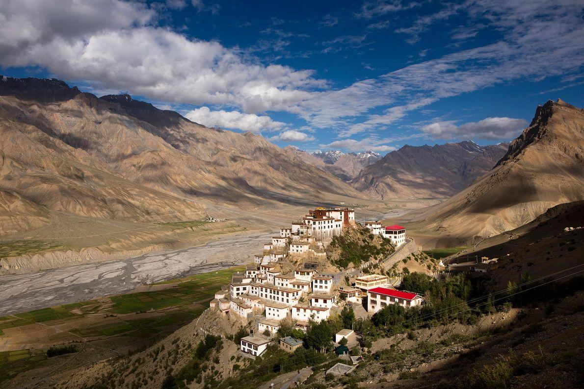 Depuis sa construction il y a plus de mille ans, le monastère indien de Key Gompa ...