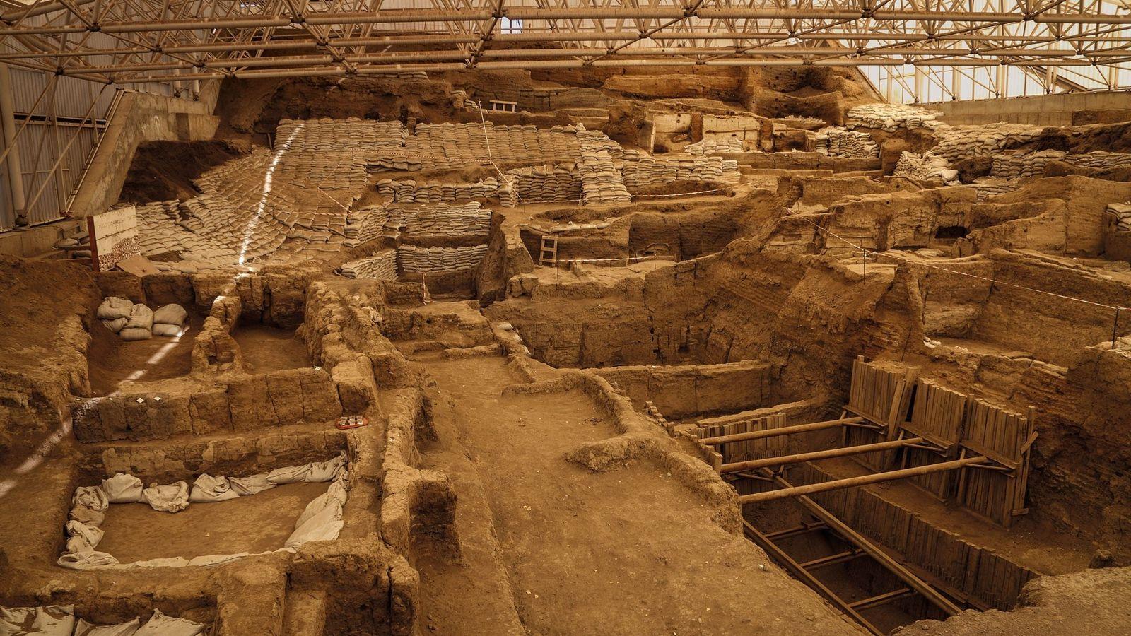 Depuis les années 1960, le travail des archéologues sur le site de Çatal Höyük a permis ...