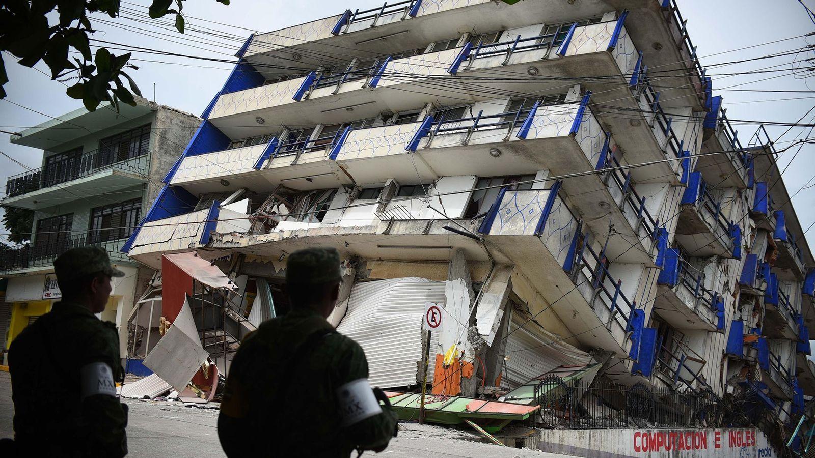 Suite au séisme de magnitude 8,2, l'hôtel « Ane Centro » situé à Matias Romero, dans ...