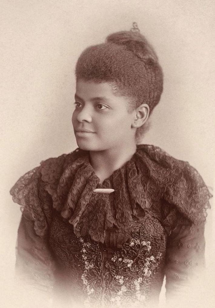 Ida B. Wells-Barnett (1862 - 1931) était une journaliste, suffragette et féministe afro-américaine, ainsi qu'une voyageuse ...