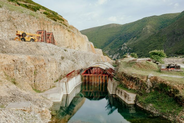 Un projet de construction de barrage mis sur pause à Kalivaç.