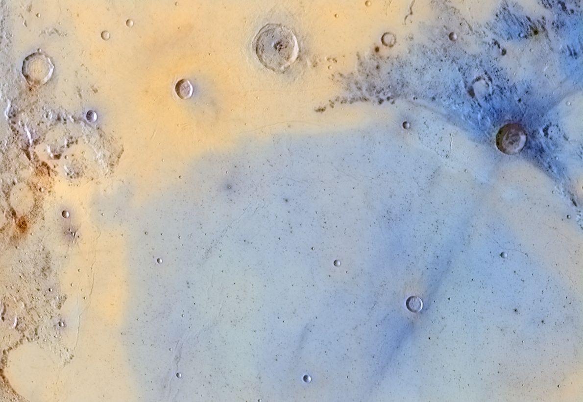 Cette image de la surface de la Lune révèle des détails que l'on a rarement l'occasion ...