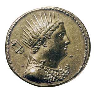 Une pièce en or représente Ptolémée III Évergète Iᵉʳ, roi d'Égypte, au troisième siècle avant Jésus-Christ, ...