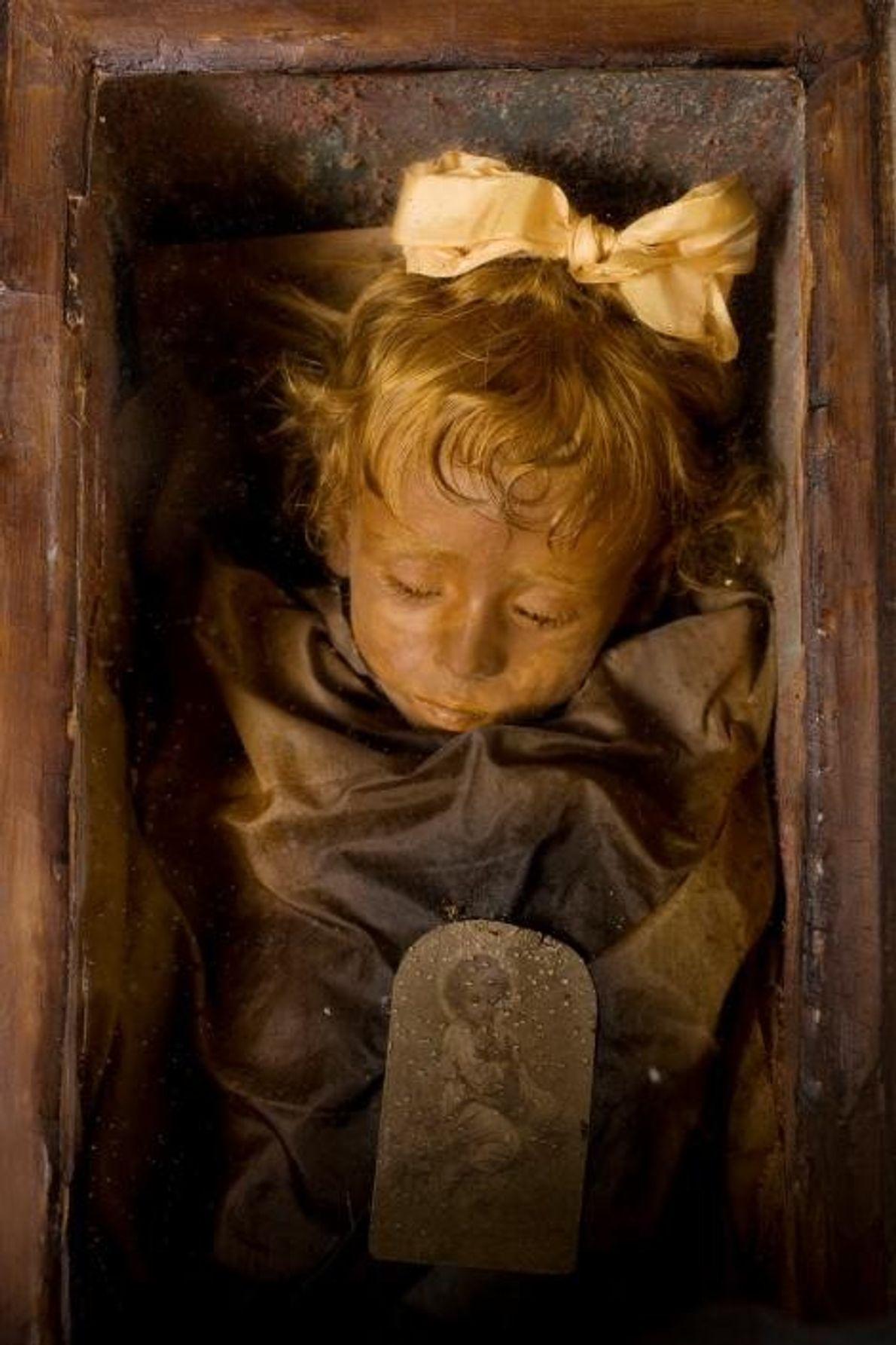 Restes momifiés de Rosalia Lombardo, deux ans, conservés dans les catacombes des Capucins, à Palerme en ...