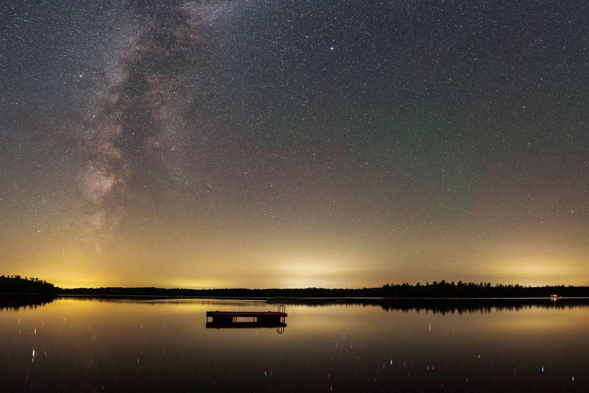 Chaque été, le photographe Babak Tafreshi participe à une retraite d'astronomie dans le Maine, en notant ...