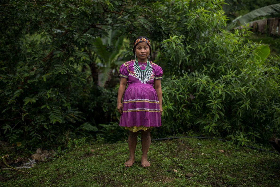 Rosalina, 26 ans, est la gouverneur indigène de La Puria. On la voit ici enceinte de ...