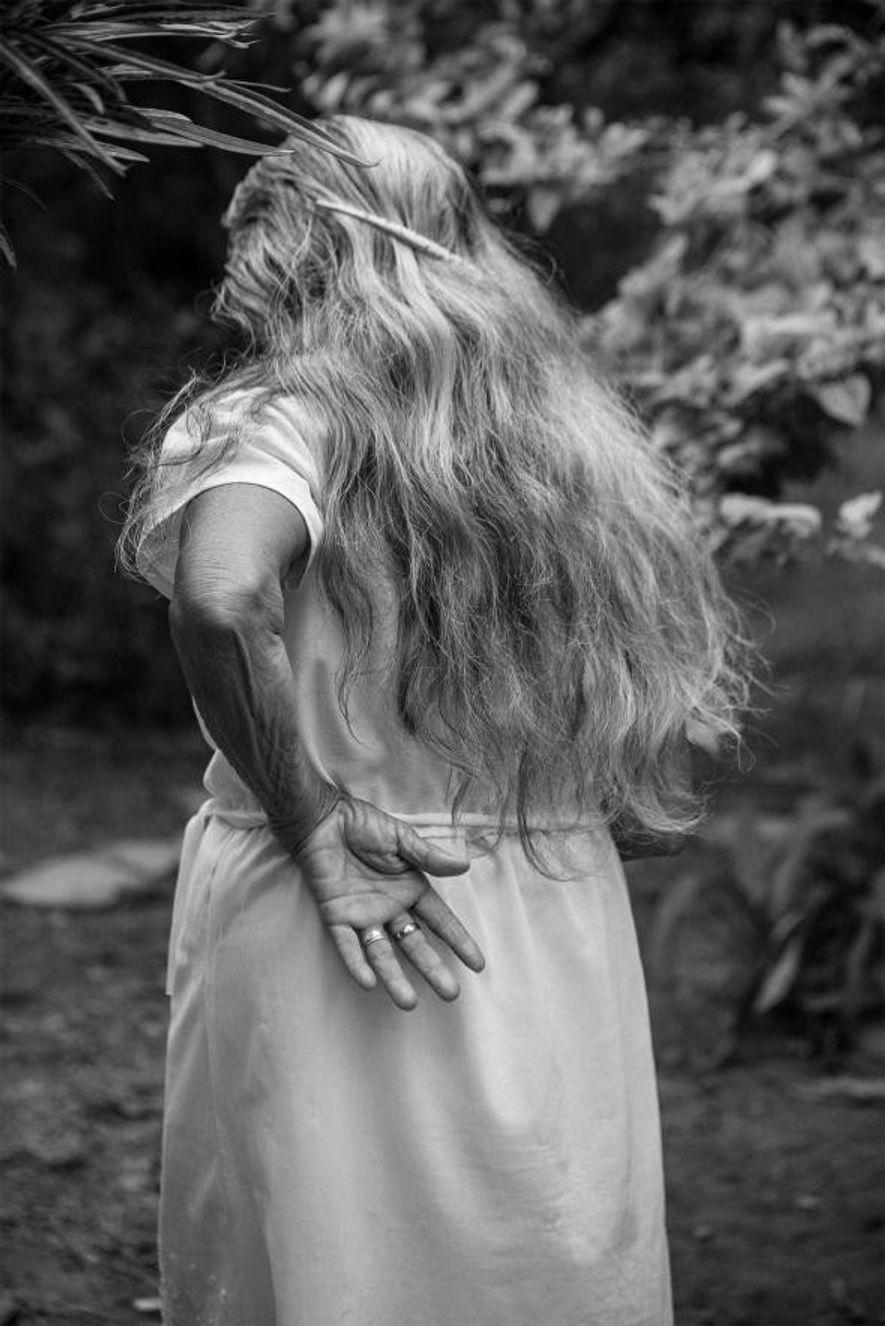 Une femme qui vit seule sur sa ferme dans le Casanare.