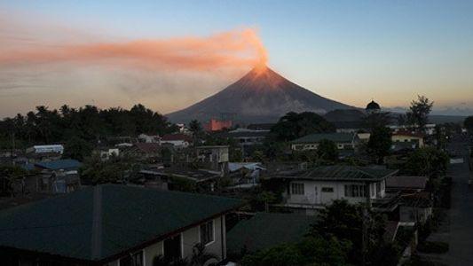 Philippines : le volcan Mayon pourrait bientôt entrer en éruption