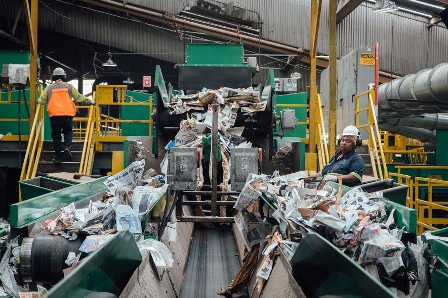 Pier 96 est le plus grand centre de tri de déchets du monde. L'objectif de San ...