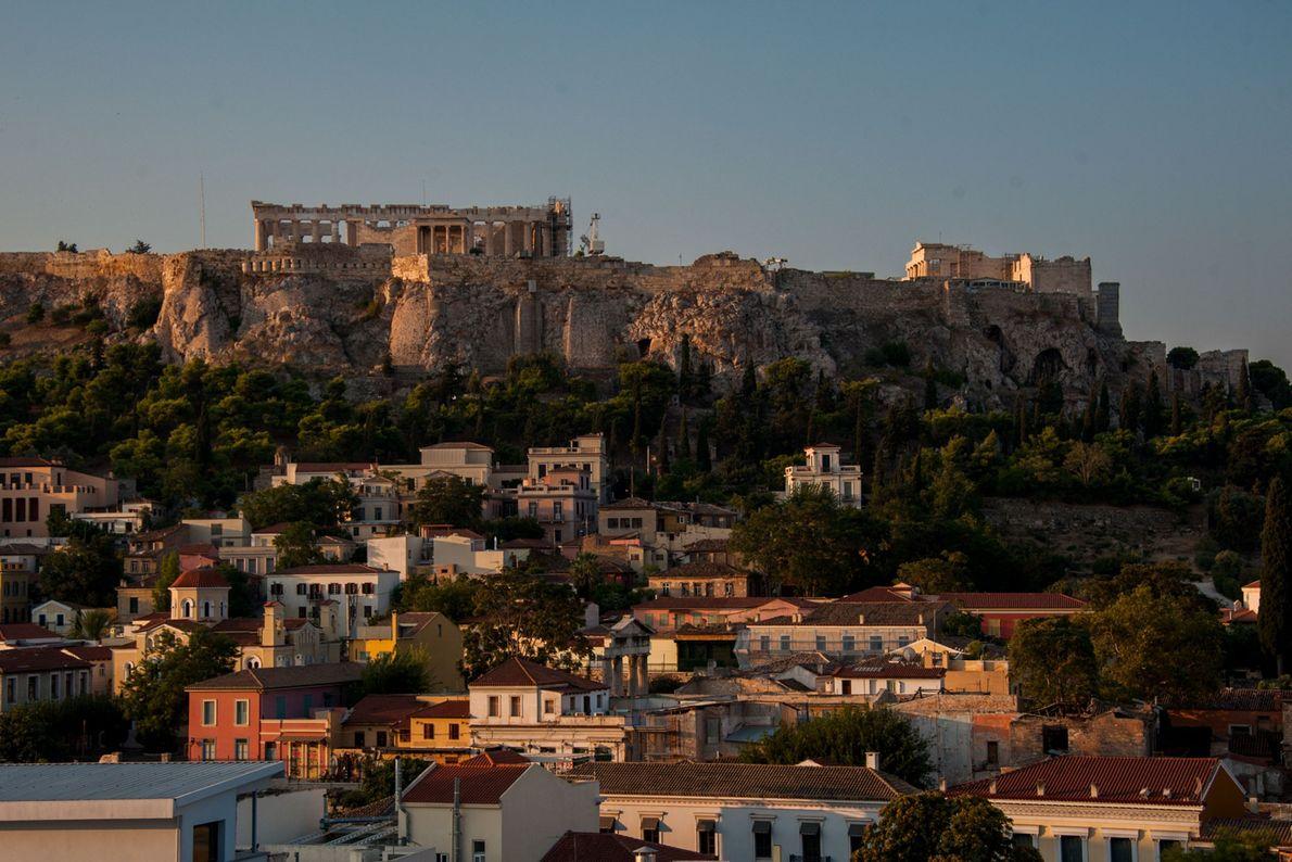Les structures anciennes que l'on aperçoit aujourd'hui sur l'Acropole ont été construites 1 000 ans après ...