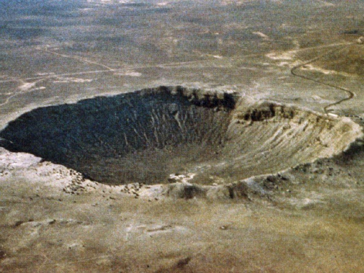 Meteor Crater est l'un des cratères d'impact les plus récents et les mieux préservés de la ...