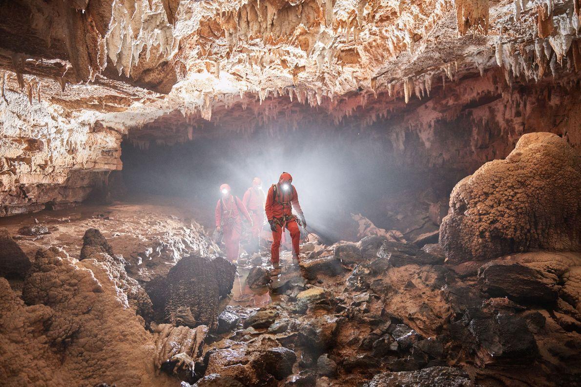 Voyage au centre de la Terre. Si vous souhaitez vraiment découvrir la Slovénie, des guides expérimentés ...