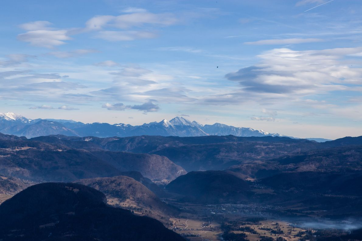 Avoir le monde entier à ses pieds... La vue depuis le sommet de la station de ...