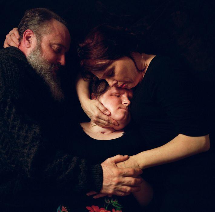 La photographe Maggie Steber n'a pas seulement photographié un miracle médical, elle a aussi photographié l'amour. Ci-dessus, ...