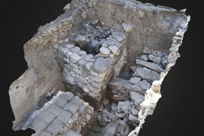 Représentation du tombeau avant son ouverture. La chambre funéraire se trouve en haut à droite, là ...