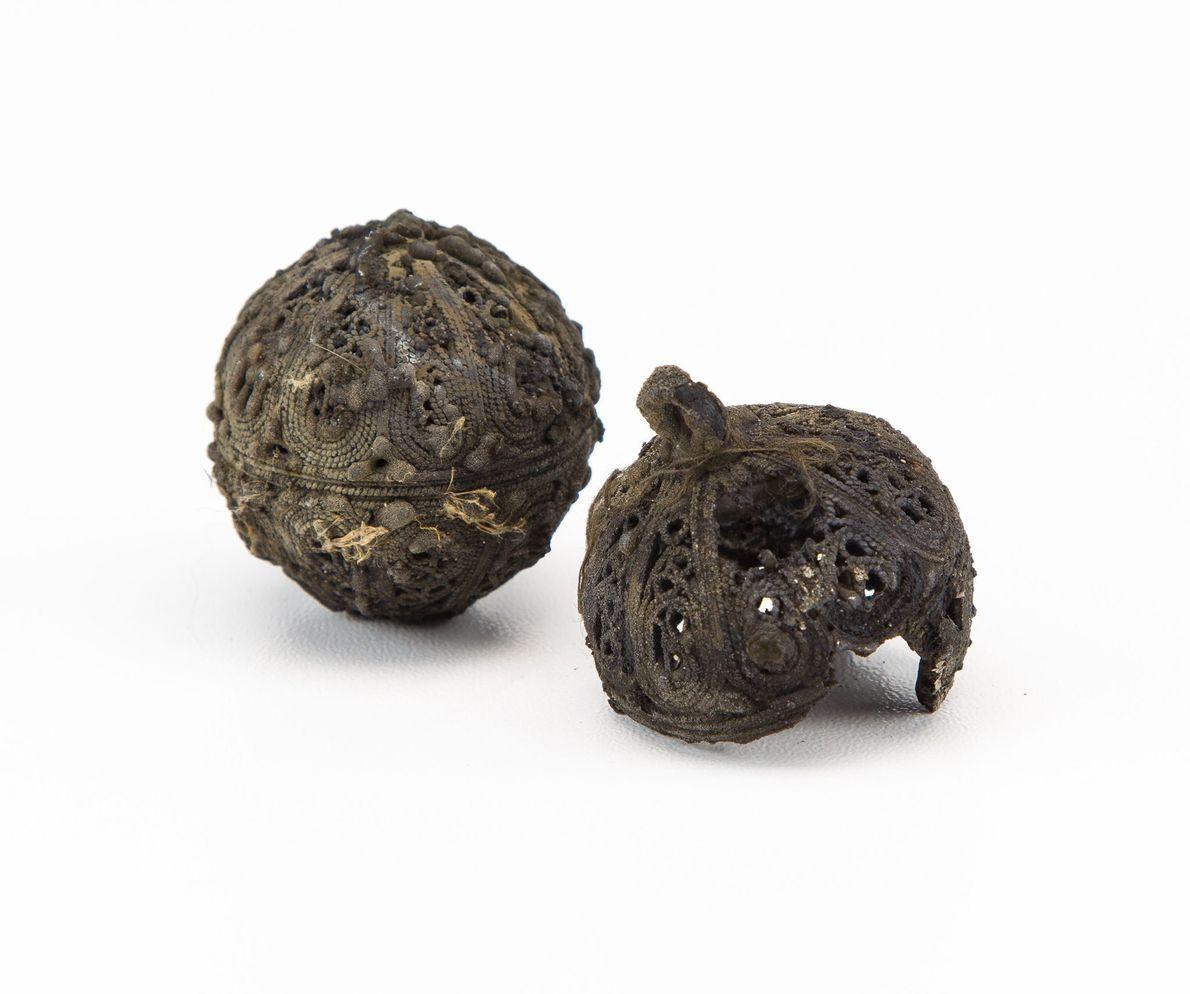 Image de pommes de senteur retrouvées dans une épave de la Mer du Nord