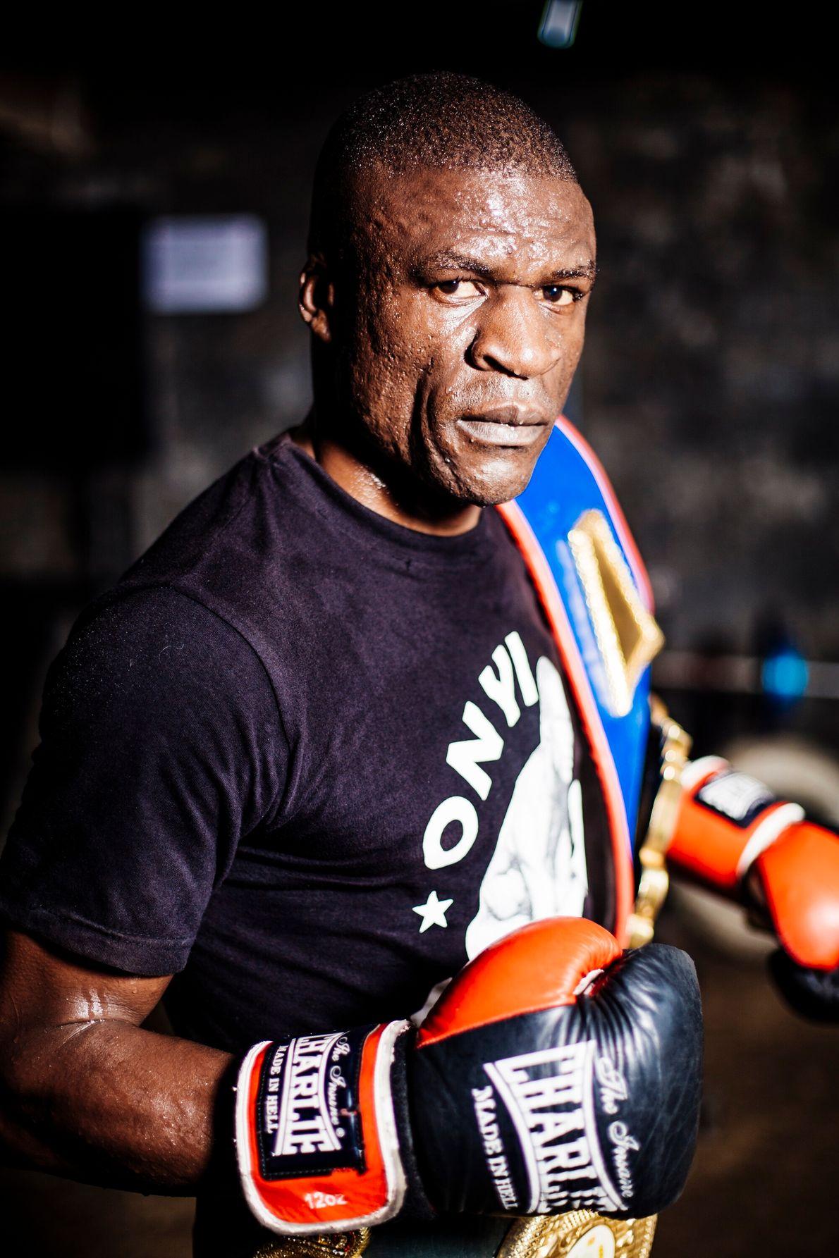 James Onyango est tombé amoureux de la boxe en voyant Moses Kinyua, également originaire de Kariobangi, remporter la médaille ...