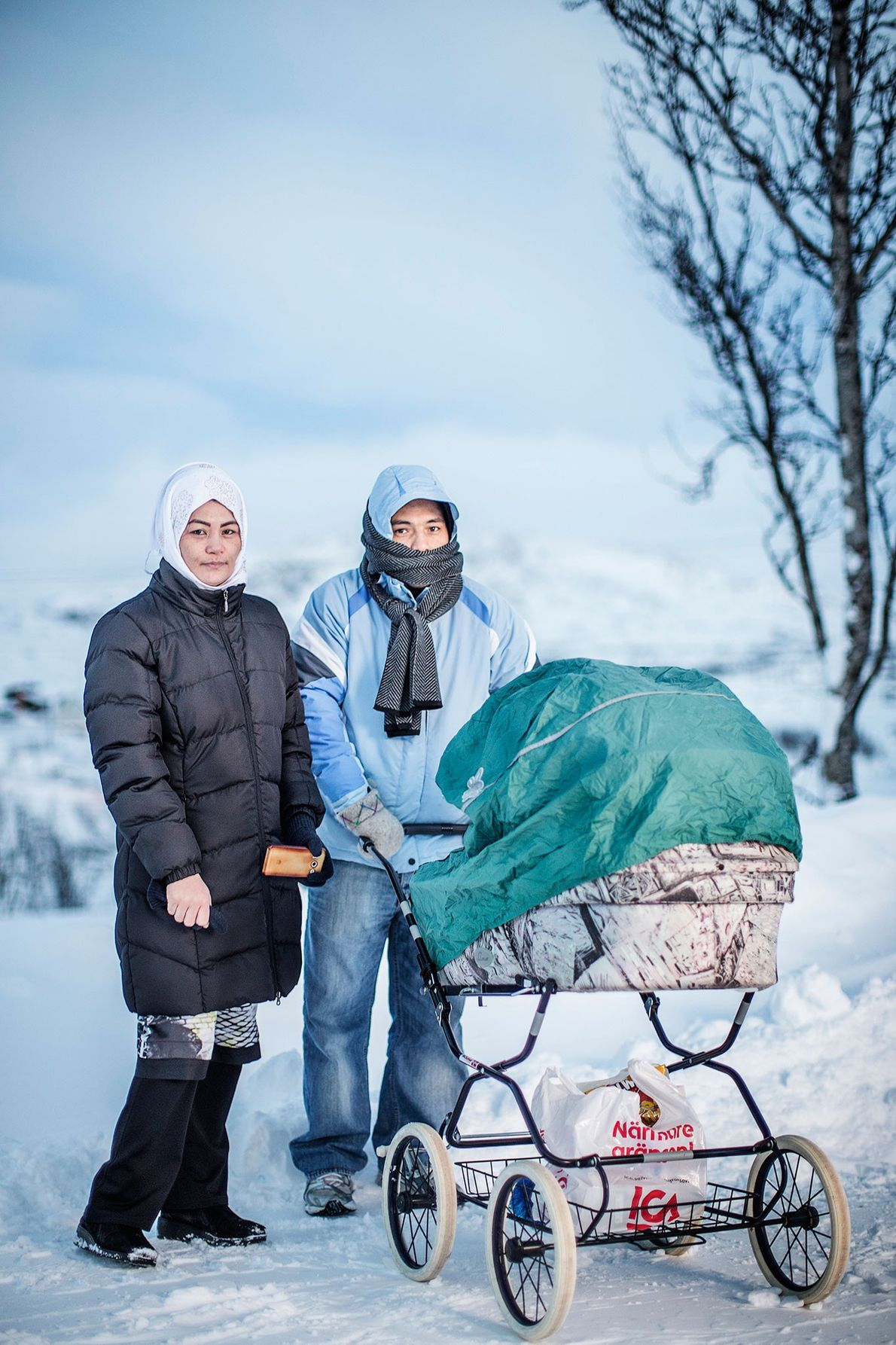 Image de Saker Hossein Nabadi, sa femme Sakine et leur enfant