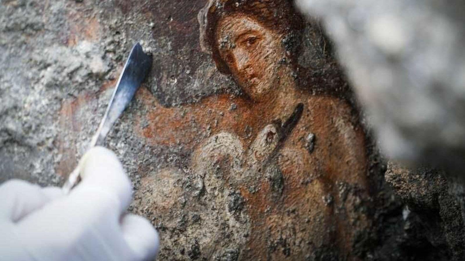 Une fresque lascive qui a été mise au jour dans la cité archéologique de Campanie. On ...