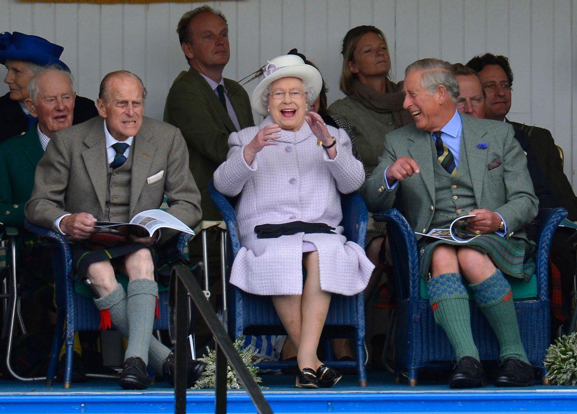 Photo du Prince Philip, de la Reine Elizabeth II et du Prince Charles