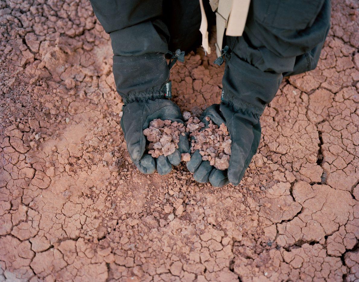 À la Mars Desert Research Station, le sol du désert ressemble à s'y méprendre à celui ...