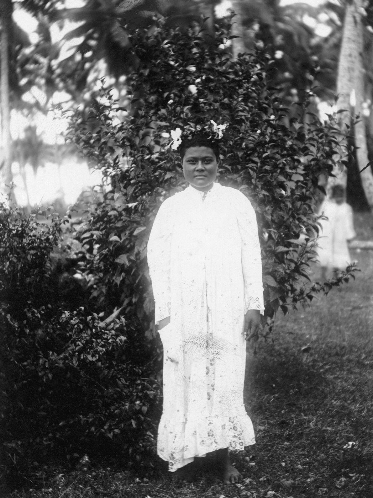 Ce cliché informel d'une princesse des Tonga a été pris au début des années 1900 à ...