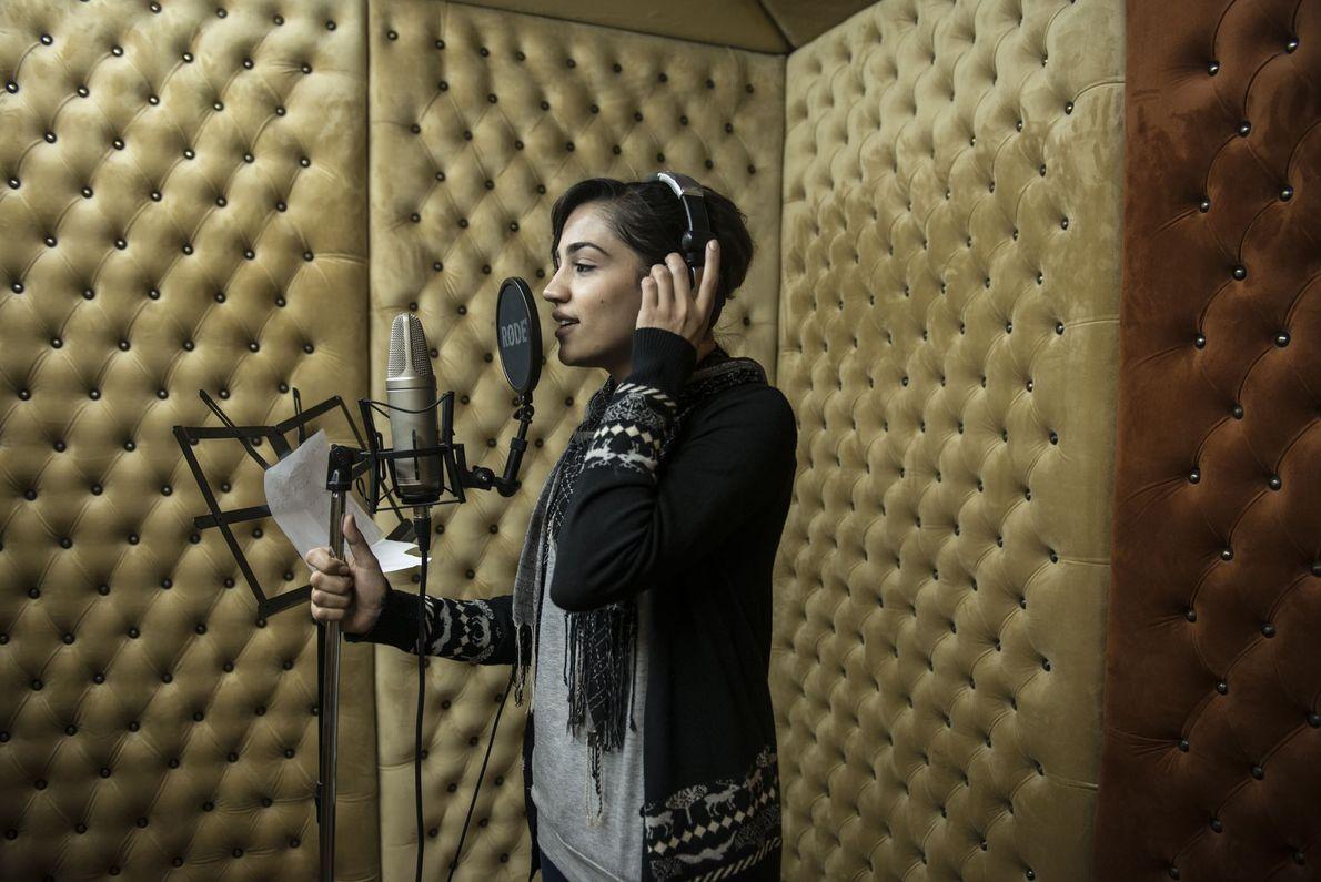 En 2013, Hadeel Fawzy Abushar, âgée de 25 ans, enregistrait une chanson dans un studio de ...