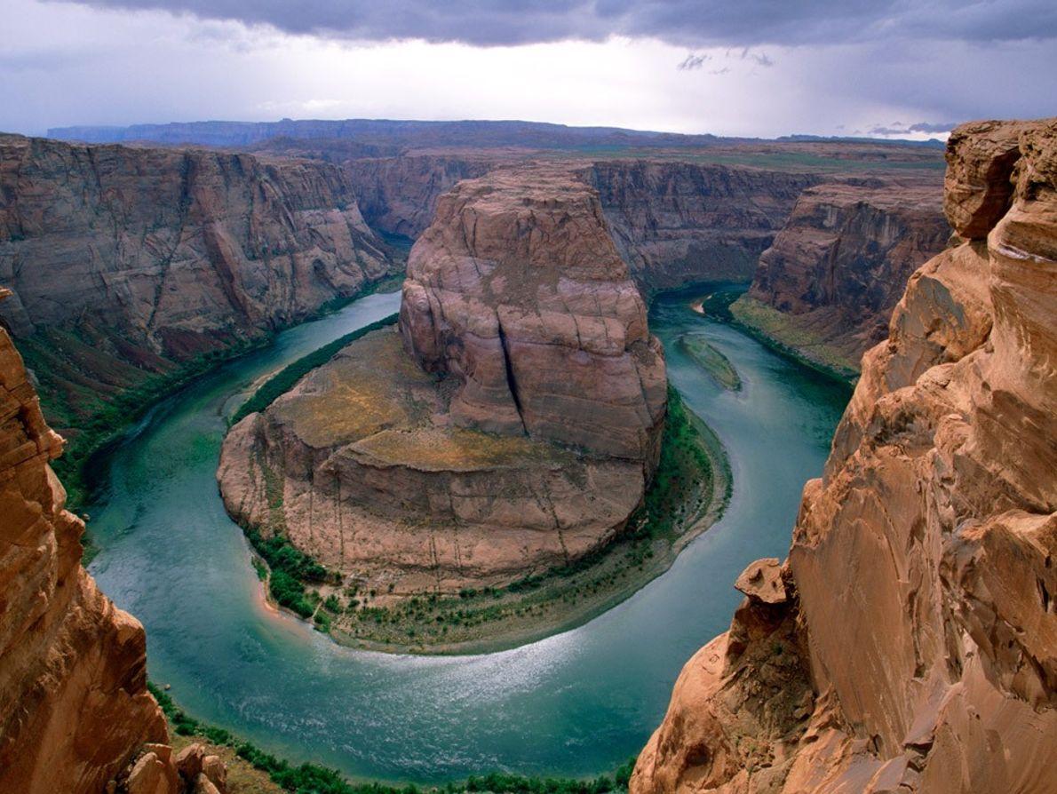 Lorsque l'eau était abondante, le fleuve Colorado serpentait sur 2 366 km, des Rocheuses au golfe ...