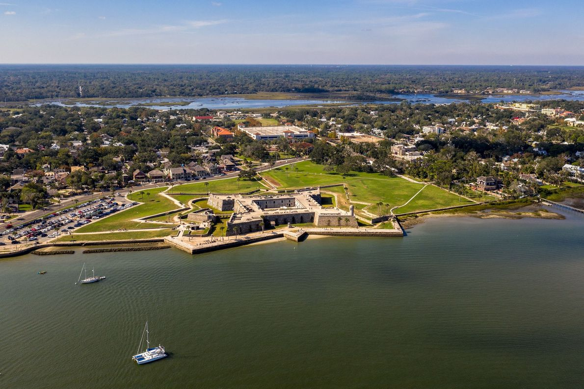 Saint Augustine fut la capitale de la Floride espagnole pendant 200 ans. Elle est plus tard ...